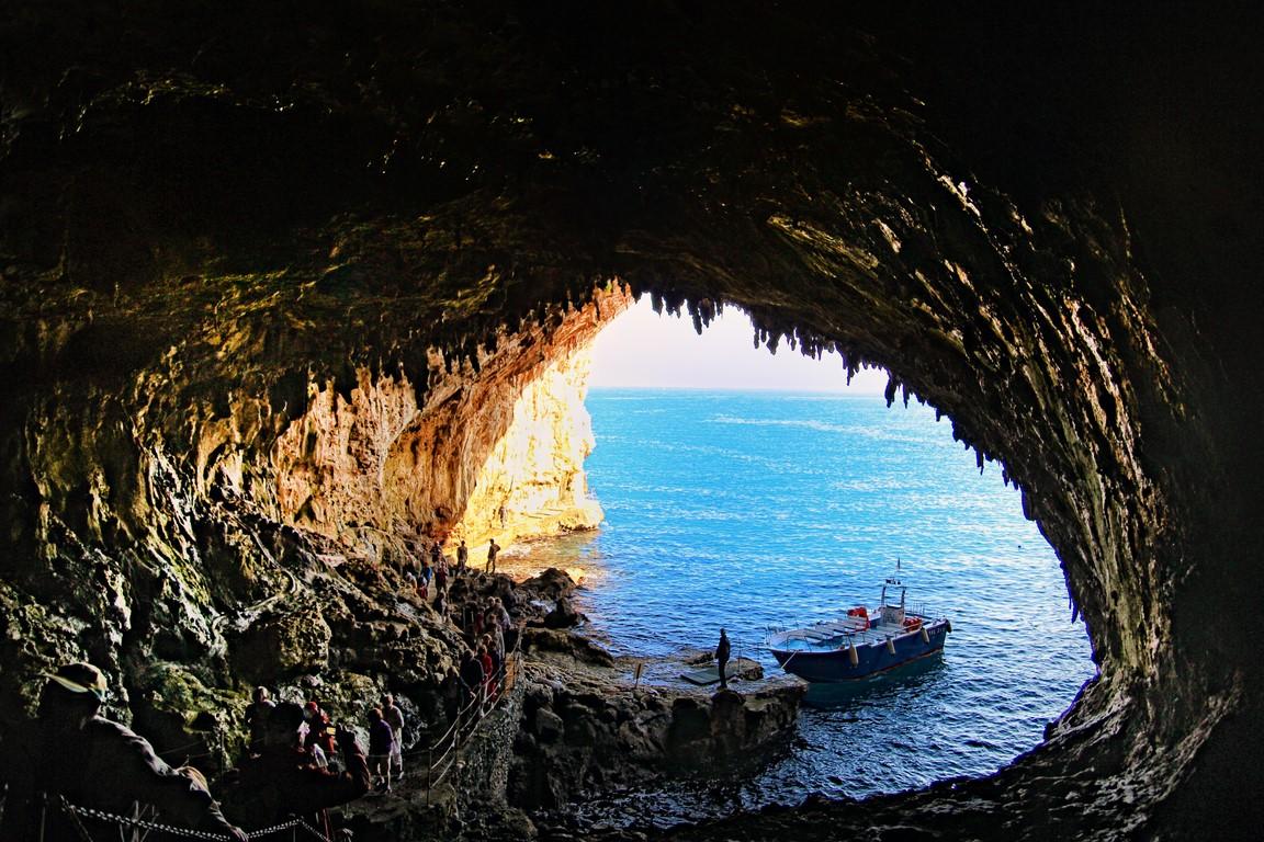 Grotta zinzulusa b b la lampara for Quanto costa un uomo in grotta